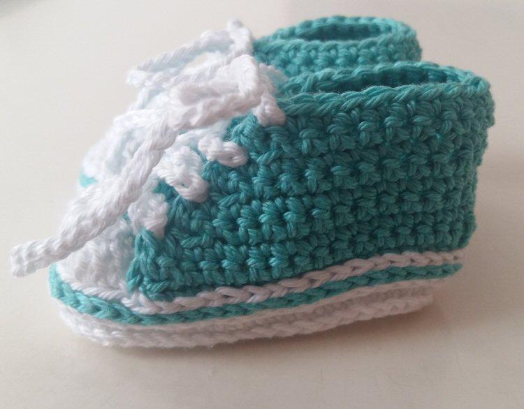 Gehaakte sneakers baby