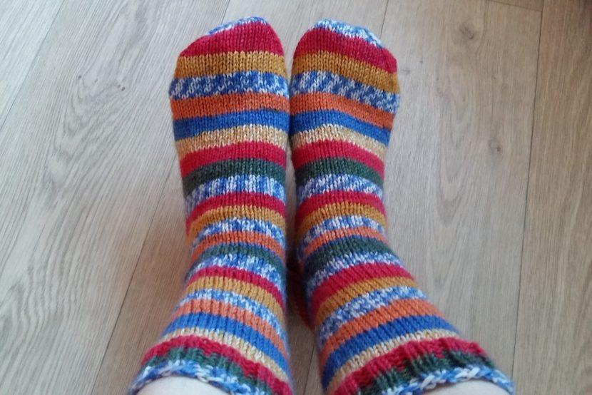 Gebreide gestreepte sokken
